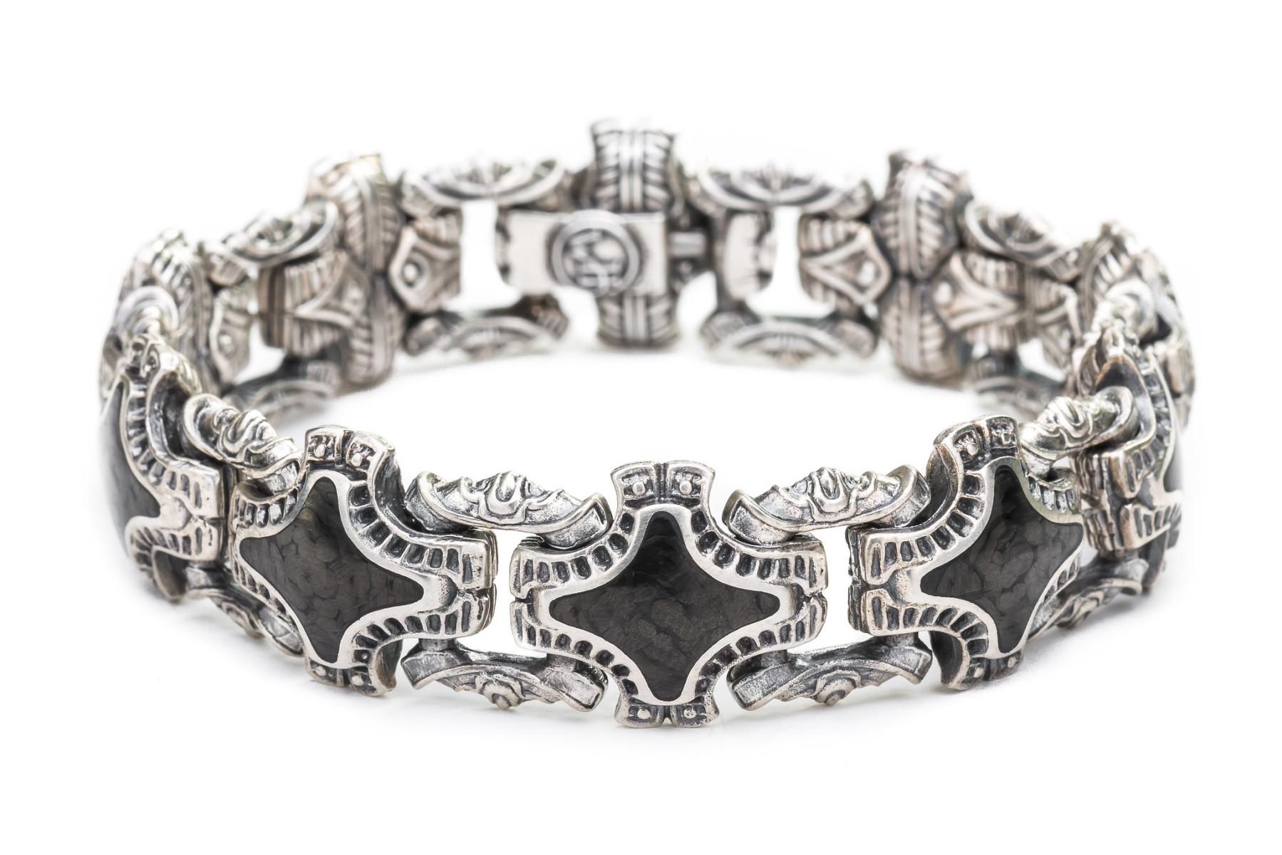William Henry Carbon Fiber Silver Link Bracelet