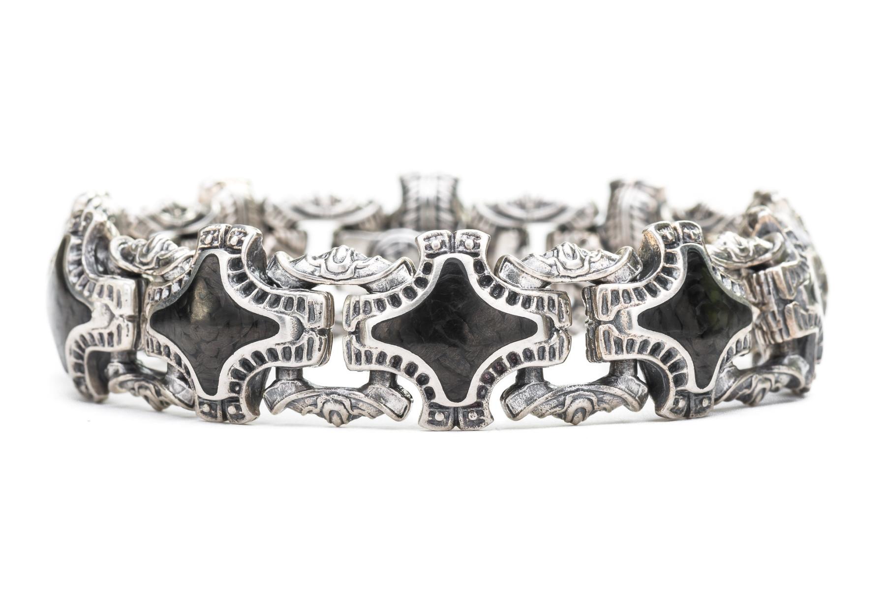 William Henry Carbon Fiber Silver Link Bracelet Front View