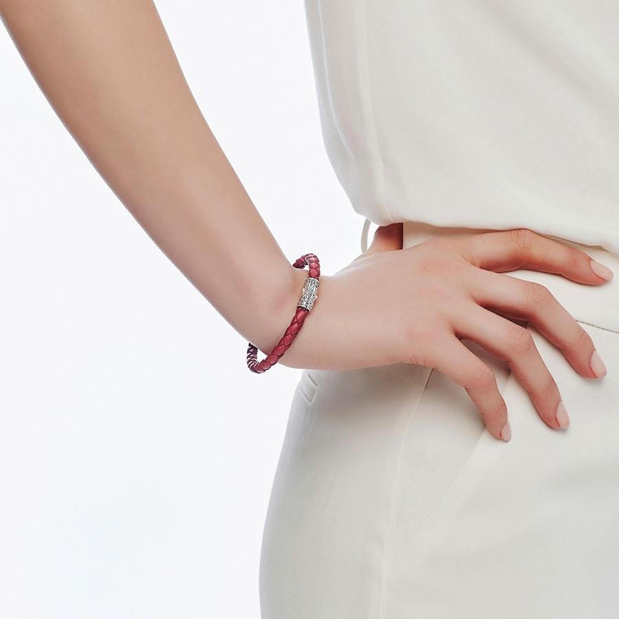 John Hardy Classic Chain Medium Silver & Red Woven Leather Bracelet on Model