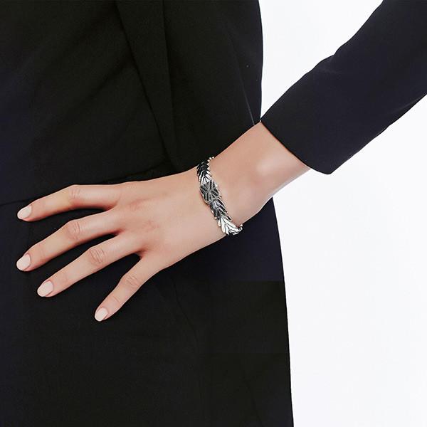 John Hardy Black Sapphire Modern Chain Bracelet on Model