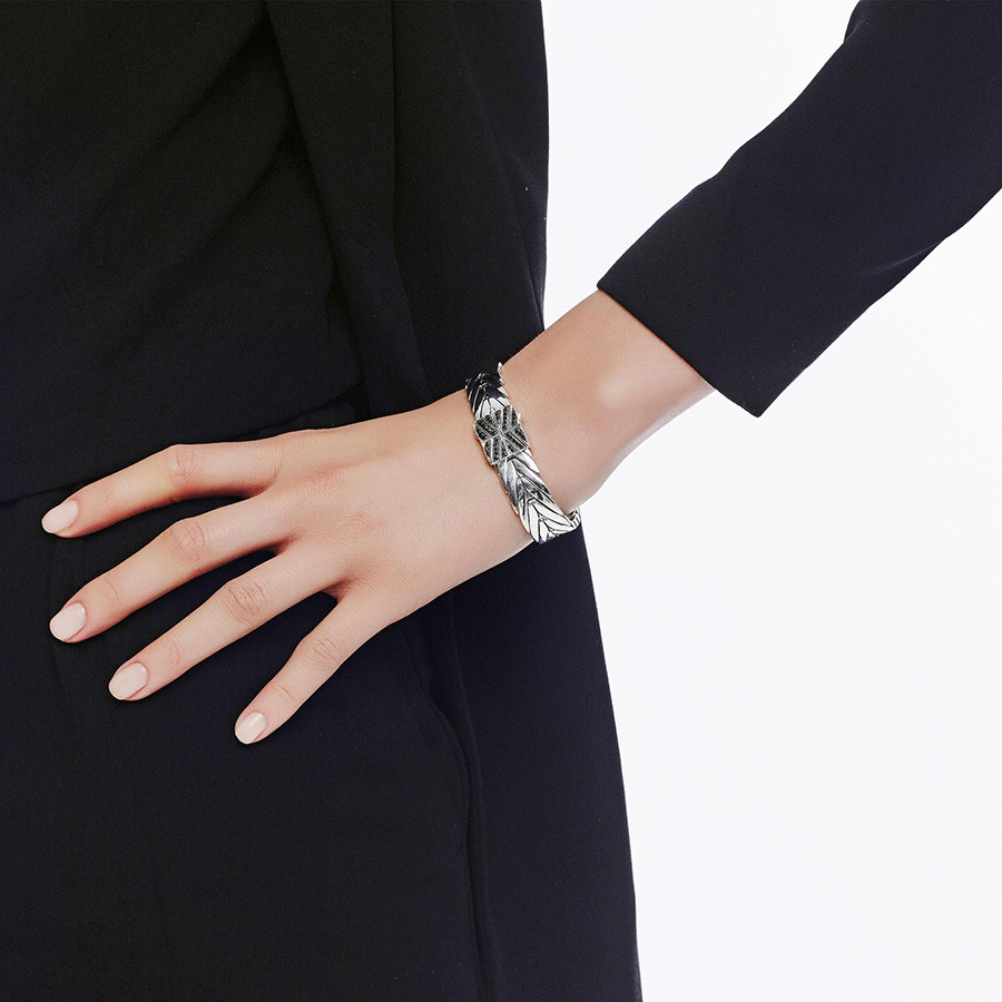 John Hardy 13mm Modern Chain Black Gemstone Bracelet on Model