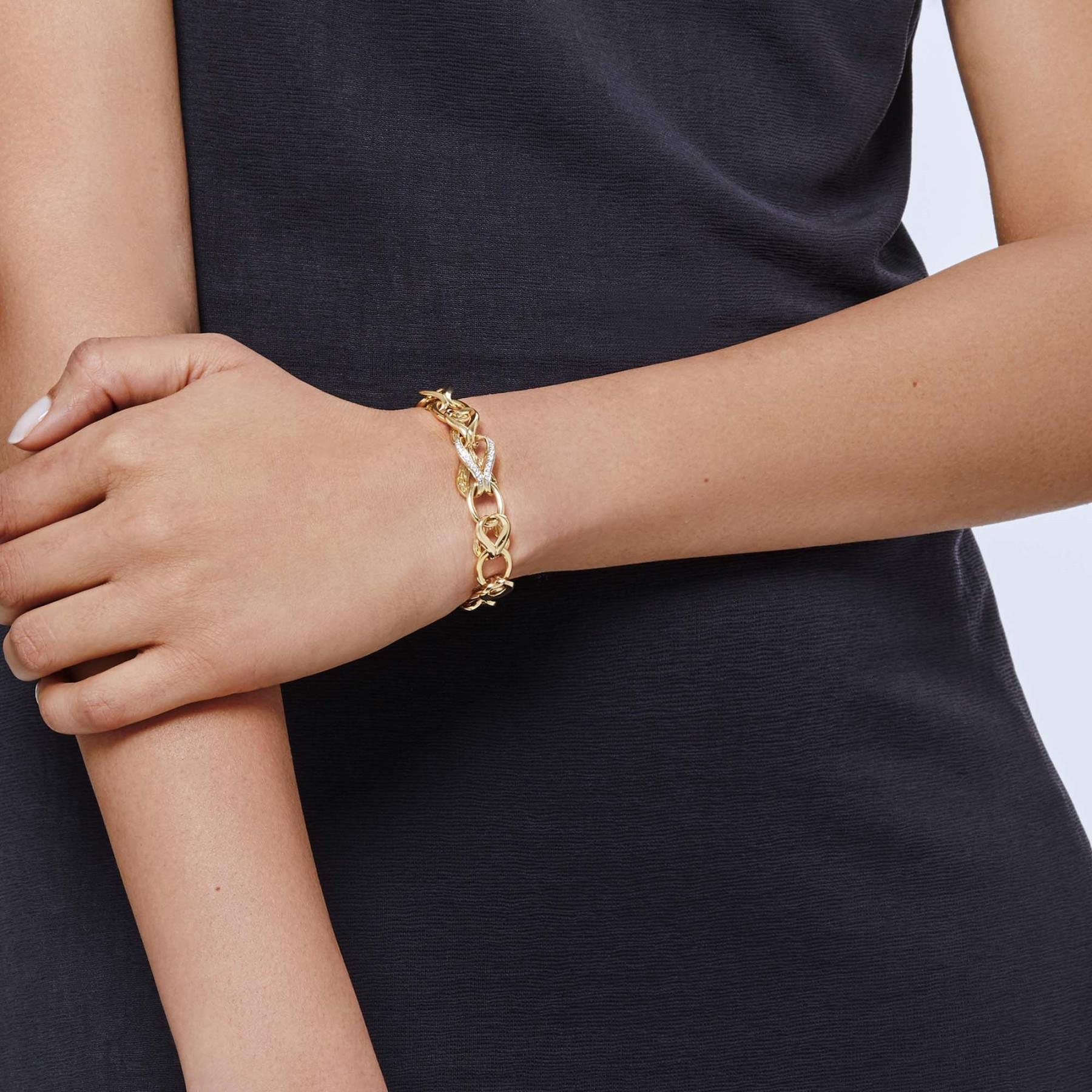John Hardy Asli Classic Chain Diamond Link Bracelet on model