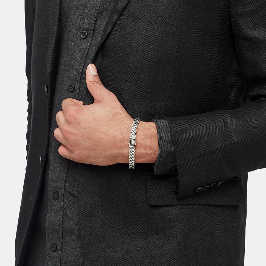 John Hardy Classic Chain Medium Silver Jawan Clasp 7.5mm Bracelet on Model