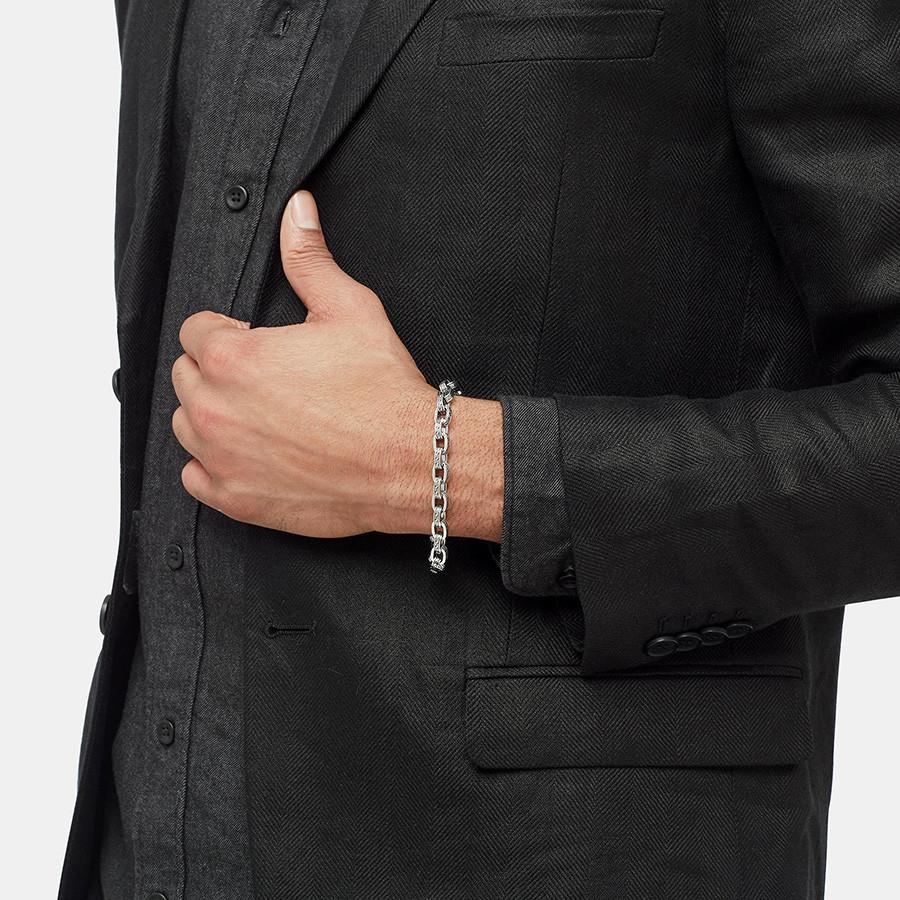 John Hardy Classic Chain Large Silver Link Jawan Bracelet on Model