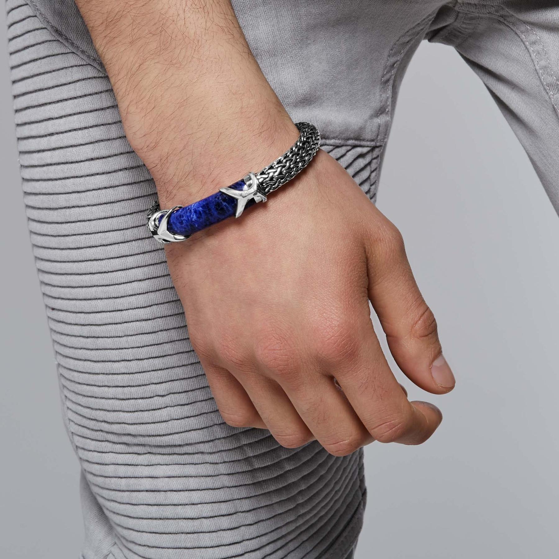 John Hardy Asli Classic Chain Medium Sodalite Station Bracelet on model