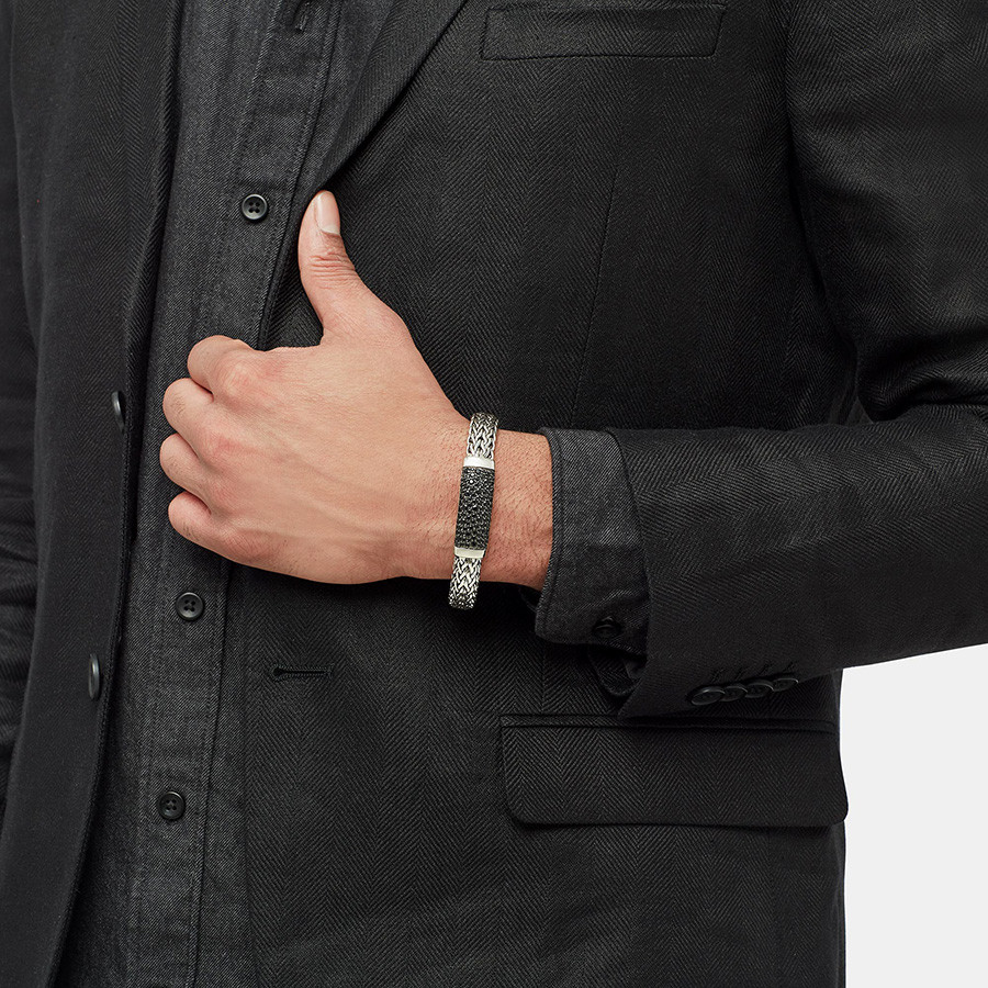 John Hardy Classic Chain Small Wide Silver Black Sapphire Station Bracelet on Model