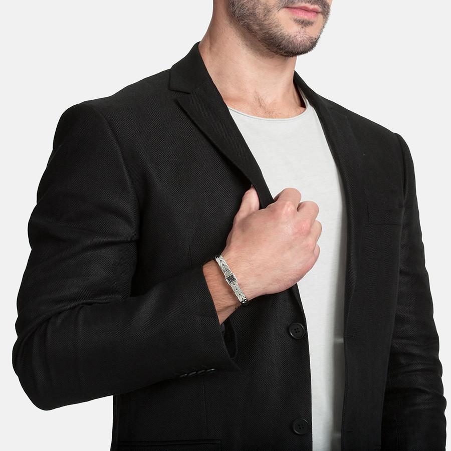 John Hardy Medium Modern Chain Slim Silver Black Sapphire Bracelet on Model