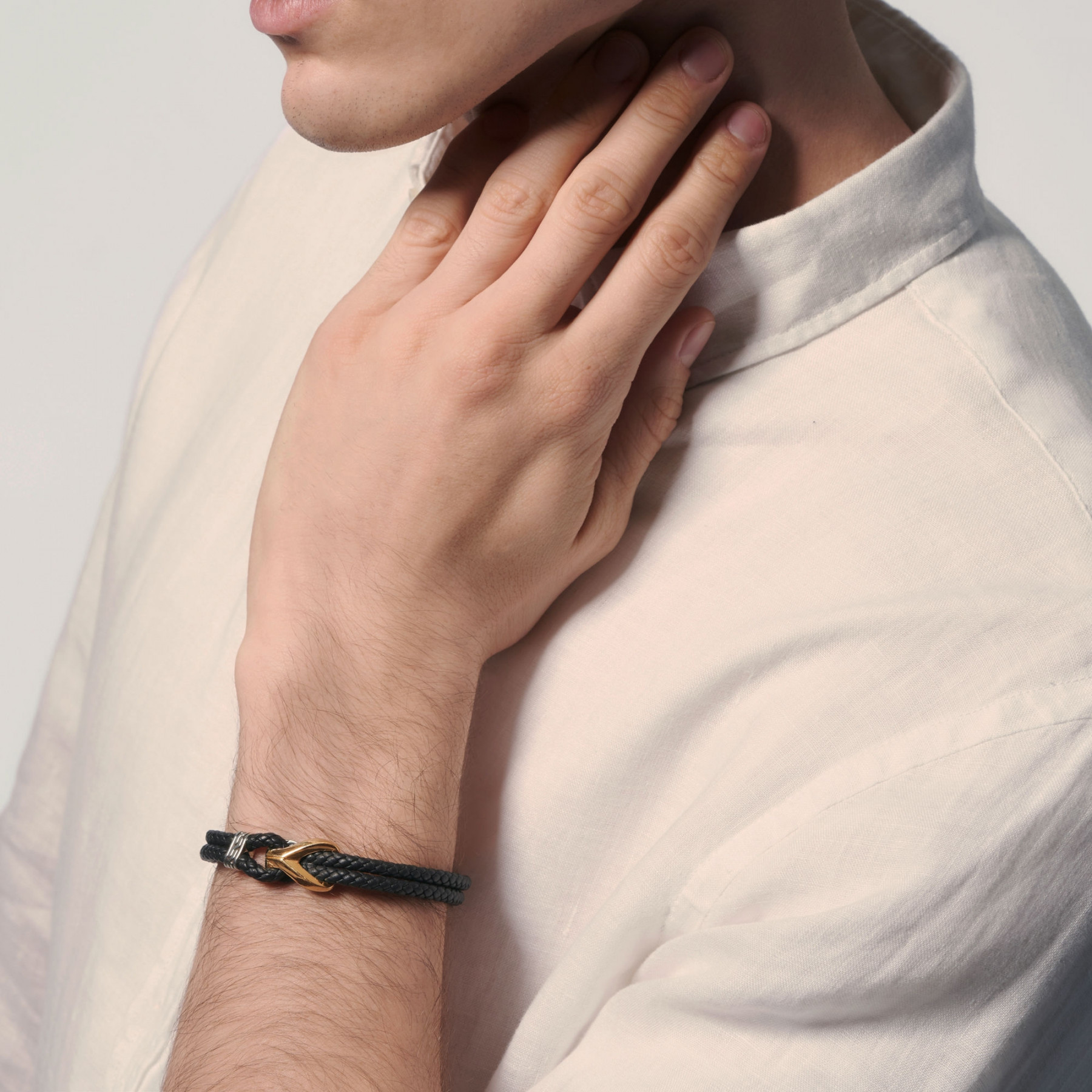 John Hardy Asli Classic Chain Two-Tone Leather Bracelet on model