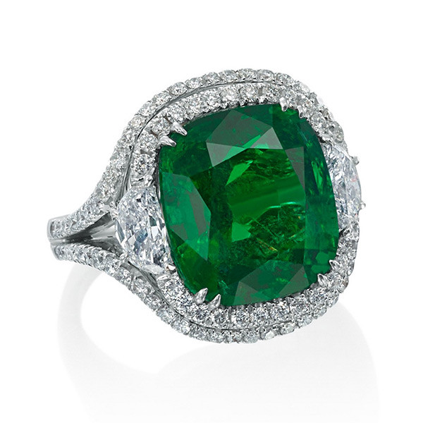 Crivelli USA 18kt White Gold Cushion Cut emerald