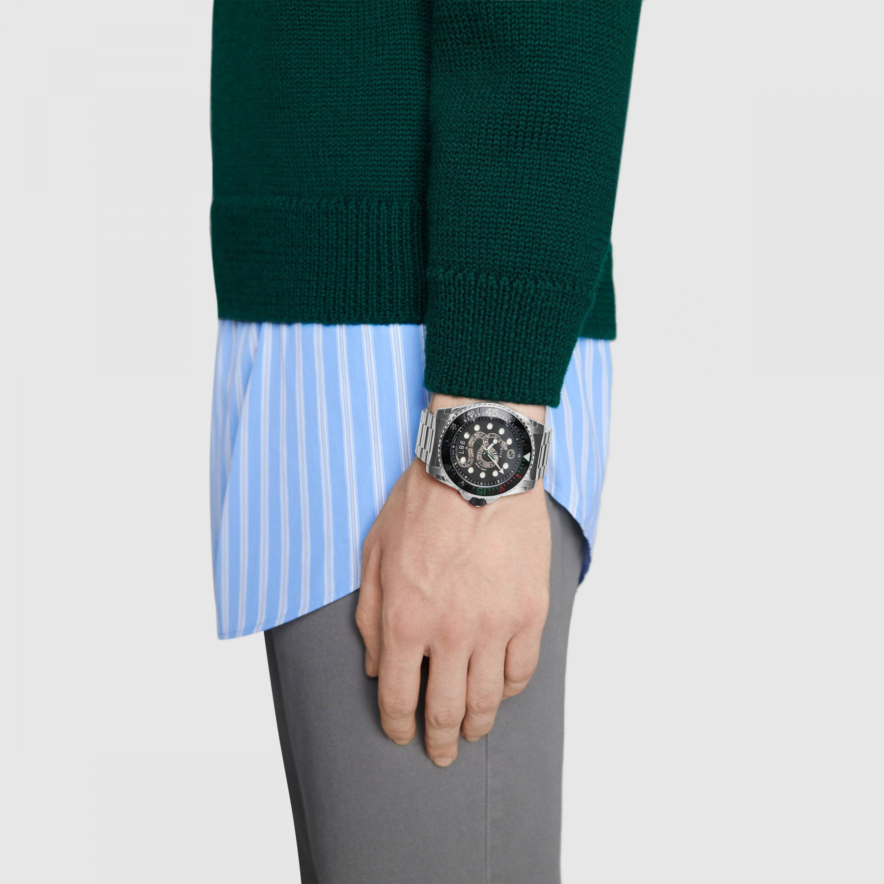 Gucci Dive 45mm Stainless Steel Snake Watch model