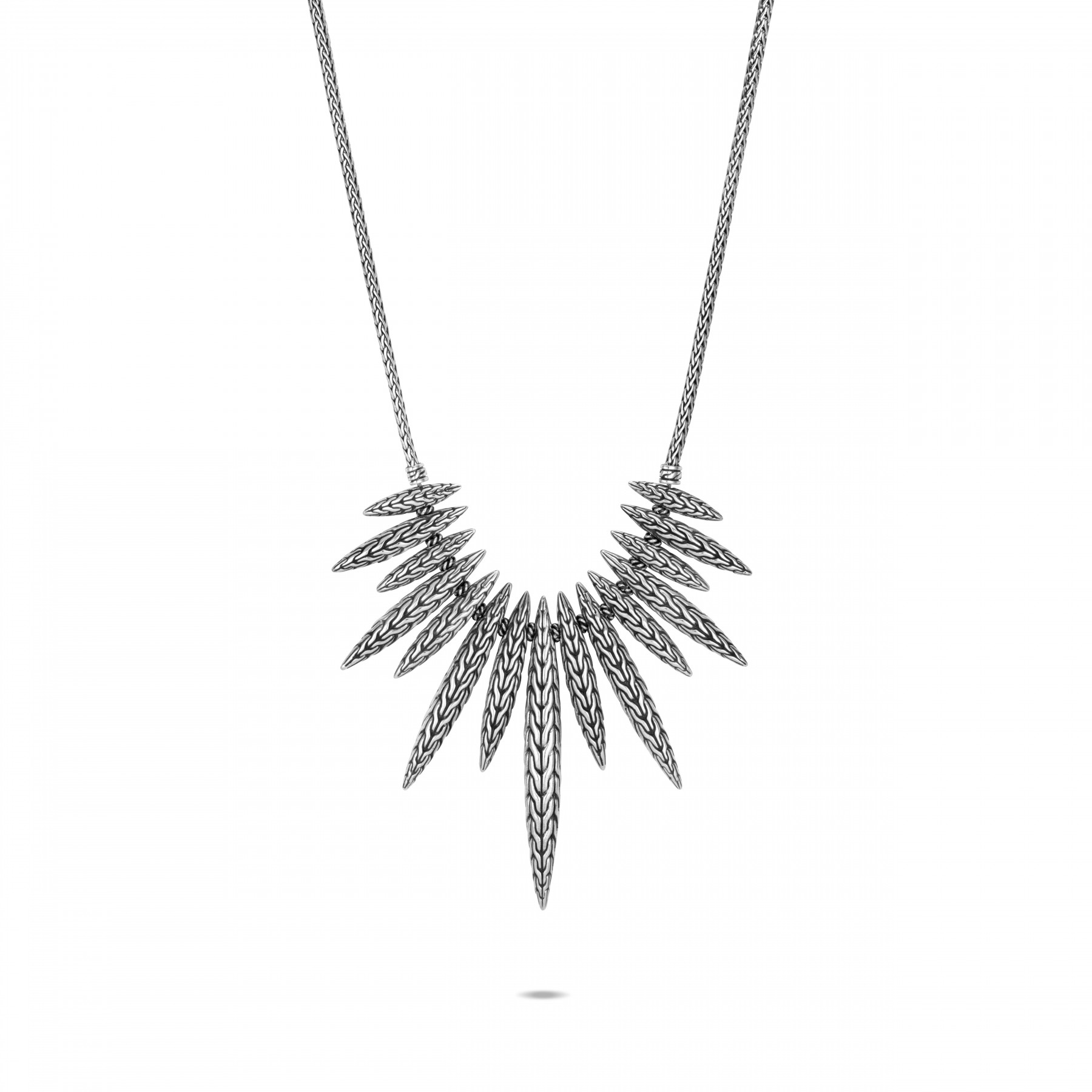 John Hardy Classic Chain Dangling Spear Necklace close up