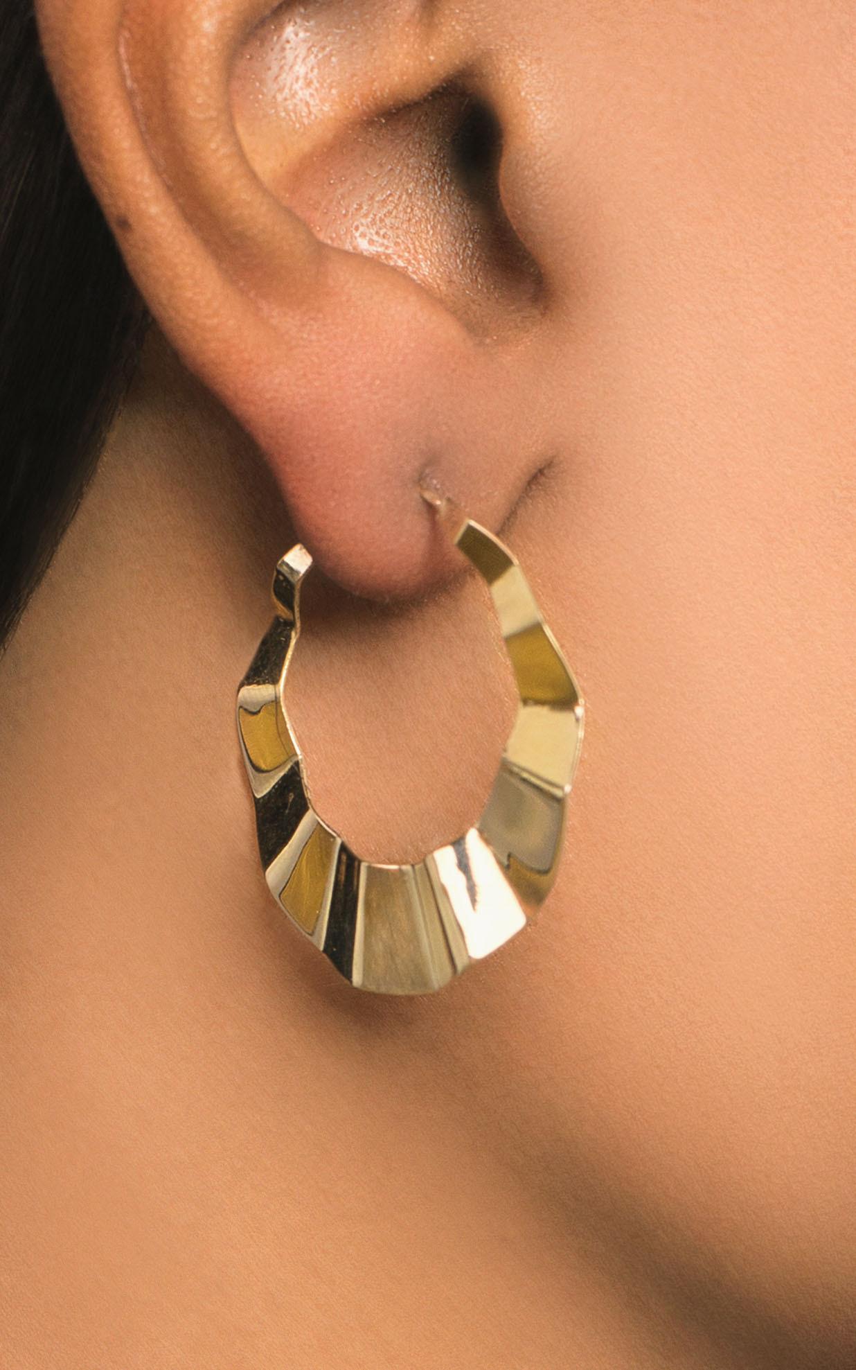 Lana 14K Gold Crinkle Hoop Earrings –32mm on model