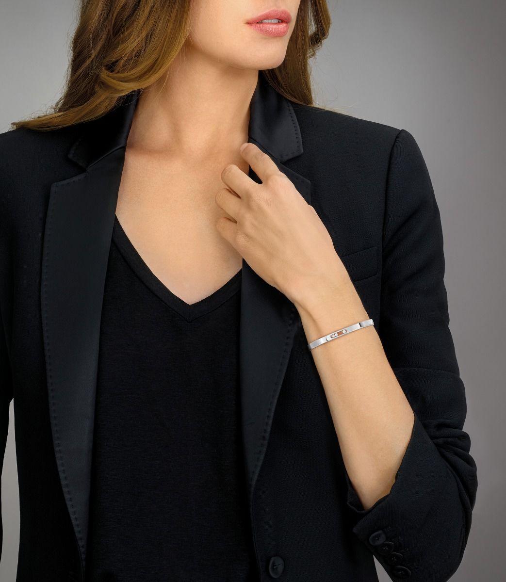 Messika Move Noa Thin Bangle Bracelet in 18K Gold Model
