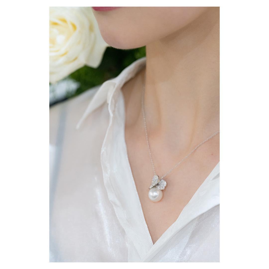 Mikimoto Les Petales Place Vendome Pendant Necklace on model