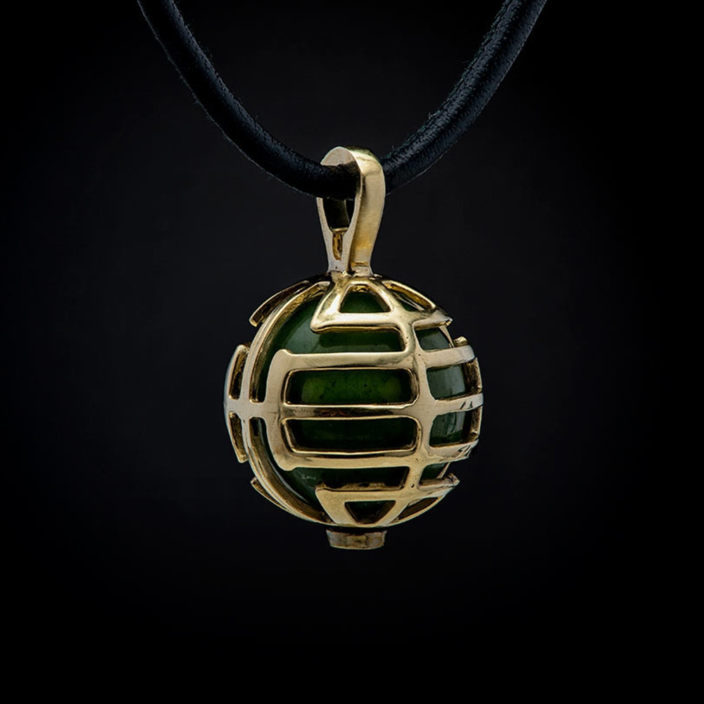 William Henry Dreamer Embrace Yellow Gold Green Jade Bead Pendant Necklace Front View