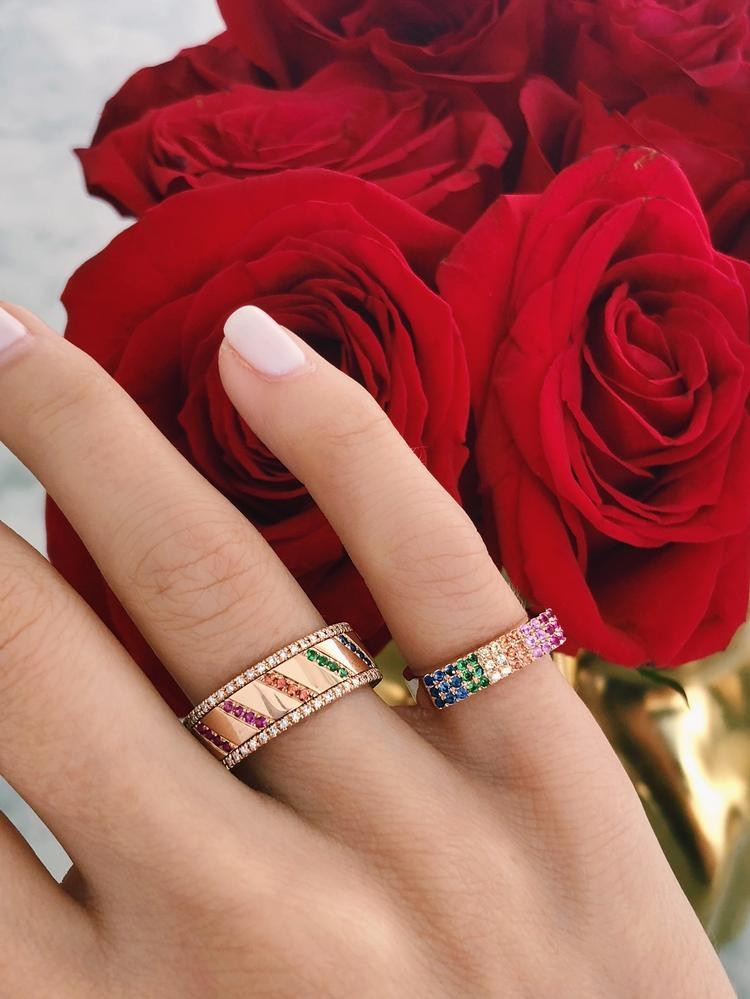EF Collection Rainbow Chevron Spinning Ring in White Gold on model