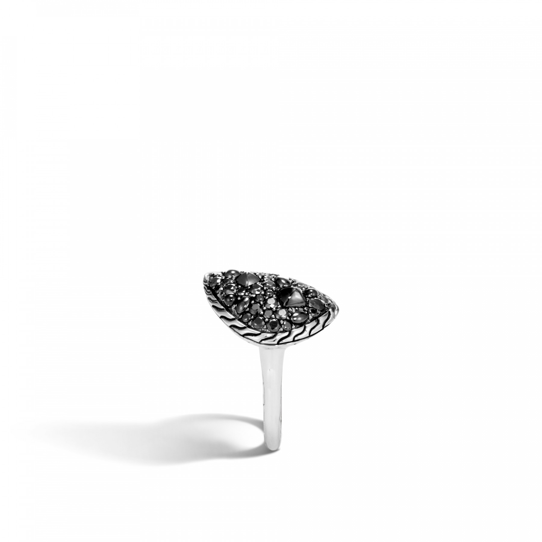 John Hardy Classic Chain Small Black Sapphire Ring side view
