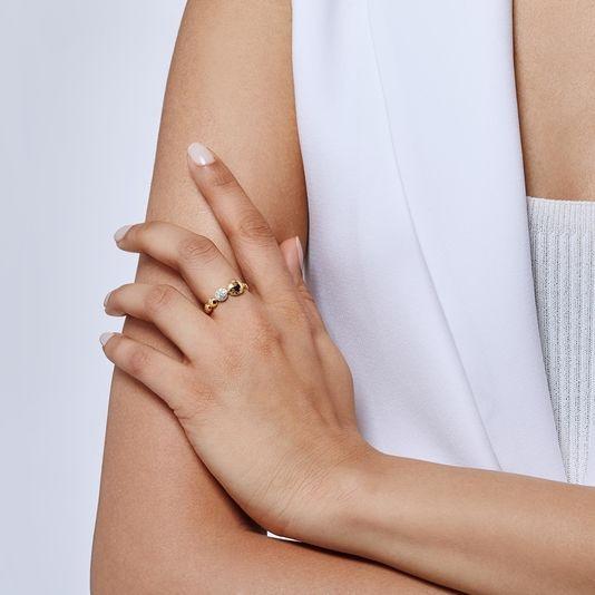 John Hardy Dot Hammered Diamond Disc Ring on model